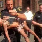 Un policier sauve une fillette des flammes en 1998 – 19 ans plus tard, il reçoit la plus belle des reconnaissances