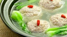 Boulettes de porc braisées au chou nappa – ou «Tête de lion» de Chine