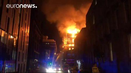 La prestigieuse Glasgow School of Arts part en fumée