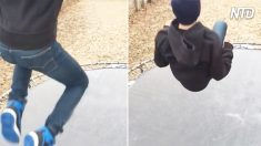 Un garçon saute sur un trampoline étrange. Quand il atterrira dessus, vous verrez ce qu'il y a de délirant dans ce divertissement