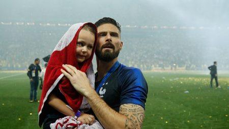 Olivier Giroud: «La Légion d'honneur, les soldats la méritent bien plus que nous»