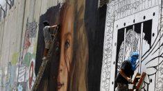 Israël arrête deux Italiens ayant peint un portrait géant d'Ahed Tamimi