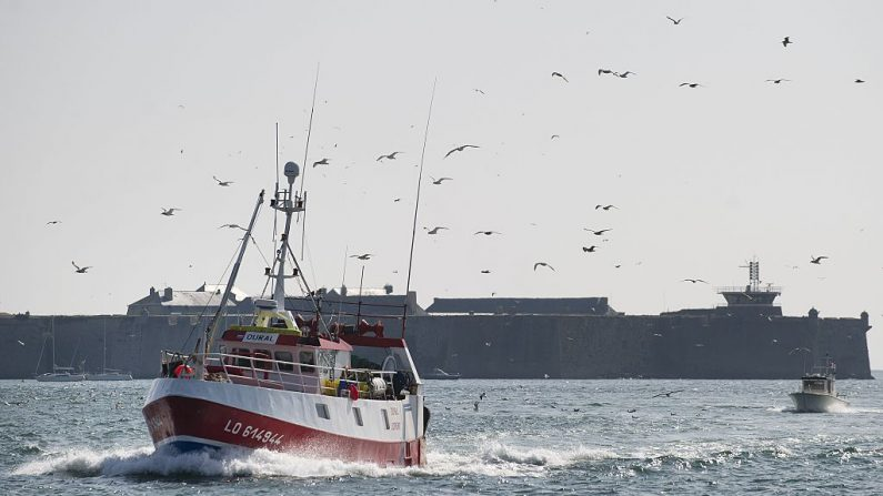 Un bateau de pêche espagnol coule au large de l'Argentine: un mort et un disparu (marine)