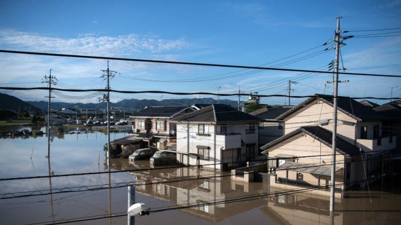 Japon: les survivants des inondations dans l'incertitude sur leur avenir