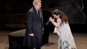 Une femme écoute la Traviata en boucle pendant 16 ans sur des haut-parleurs – elle a été arrêtée par la police