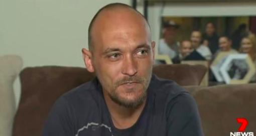Cet homme était dans le coma depuis 26 jours. Mais quand sa famille lui retire les appareils qui le maintiennent en vie – la chose la plus folle arrive