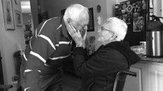 Amoureux pour toujours. Une fille entend son père dire 11 mots à sa mère malade et elle éclate en sanglots
