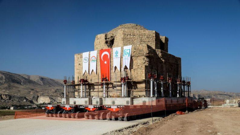 Turquie: déplacement d'un hammam historique menacé d'engloutissement