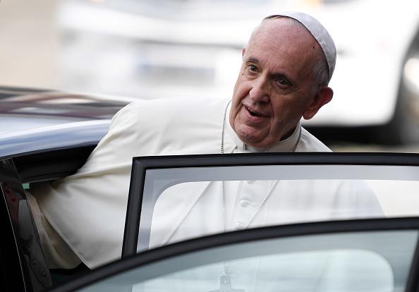 Rioufol: «Le Pape François est en train de faire de l'Église une ONG droit-de-l'hommiste»