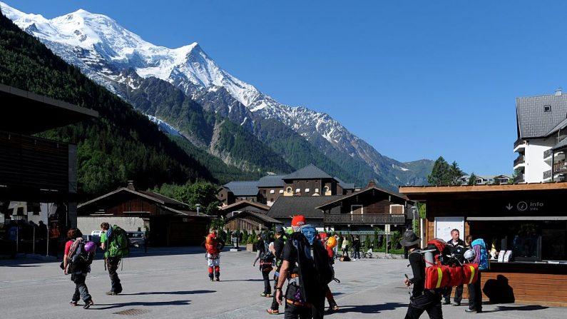 Recherches pour retrouver trois alpinistes italiens disparus dans le Mont-Blanc