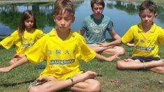 Les gens du monde entier font de la méditation pour élever leur qualité d'être, les enfants aussi en profitent