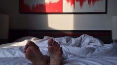 Réveillé par la police, le cambrioleur s'était endormi sur un lit