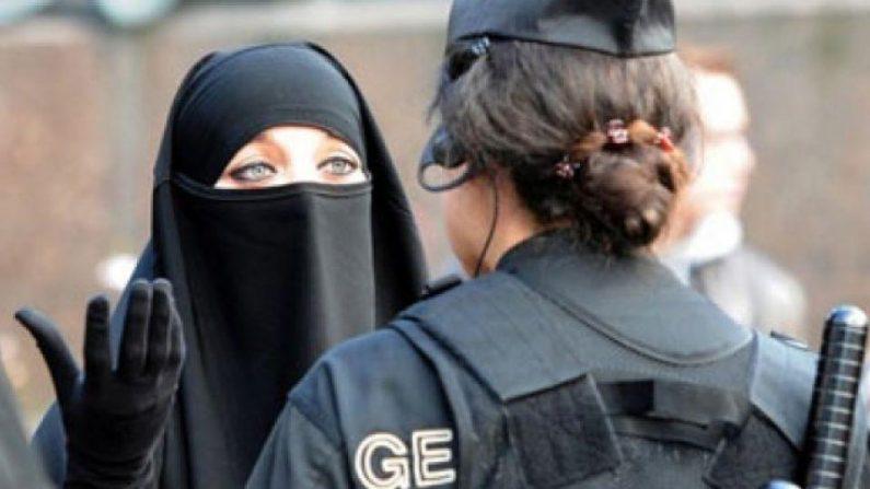 Danemark: une femme en niqab reçoit la première amende pour port du voile intégral