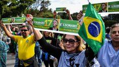 Brésil: le candidat poignardé sort de nouveau des soins intensifs