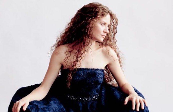 La pianiste Asiya Korepanova trouve une certaine magie cachée dans les détails