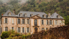 Un couple a acheté un château abandonné du 18e siècle -  sans avoir vu le site
