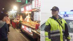 Un policier taïwanais inflige une amende à une femme âgée pour avoir tenu un stand illégal sur le bord d'une route, puis lui remet de l'argent comptant