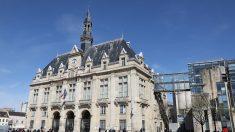 Le mairie de Saint-Denis, à côté de la Basilique des rois de France, joue tous les midi «Le Bon Roi Dagobert»