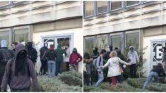 Rennes: des militants d'extrême gauche bloquent l'accès à l'université et s'en prennent aux étudiants