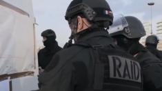 Flash: une femme retranchée dans une banque à Alès, menace de la faire exploser