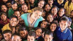 Une fille du New Jersey construit une école pour 350 orphelins et enfants au Népal, un pays ravagé par la guerre