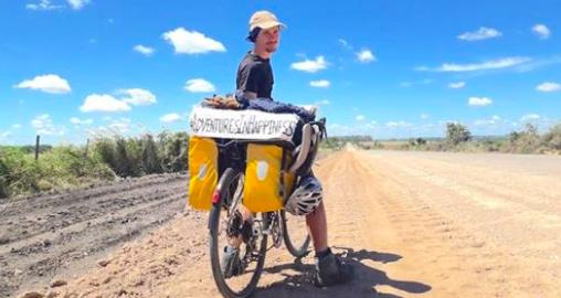 Pourquoi j'ai cessé de travailler à temps plein comme chercheur sur le bonheur, pour me lancer dans un voyage à vélo vers le Bhoutan