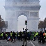 «Gilets Jaunes»: les images de la journée du 24 novembre aux Champs Élysées