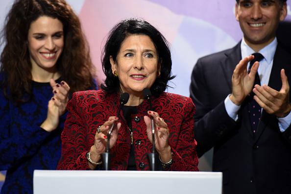 L'ex-diplomate Salomé Zourabichvili élue première femme présidente de la Géorgie