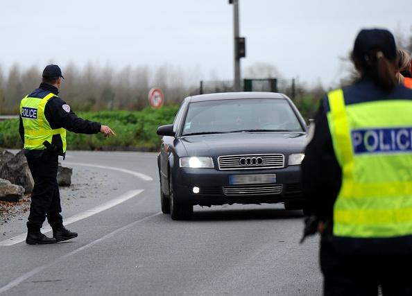 Ces policiers qui soutiennent les gilets jaunes – qui sont-ils et pourquoi se joignent-ils au mouvement?