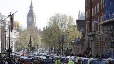 LONDRES –  Si tu klaxonnes après une conductrice trop lente, la police peut être forcée d'ouvrir une enquête pour crime de haine