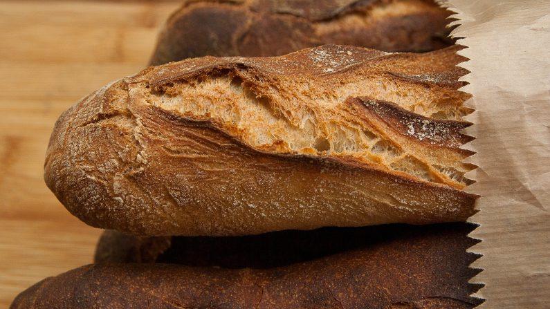 Grâce à une invention française, les pains invendus sont recyclés en farine au lieu d'être jetés