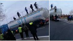 Somme : des « gilets jaunes » arrêtent un camion-citerne et découvrent des migrants cachés dans la cuve