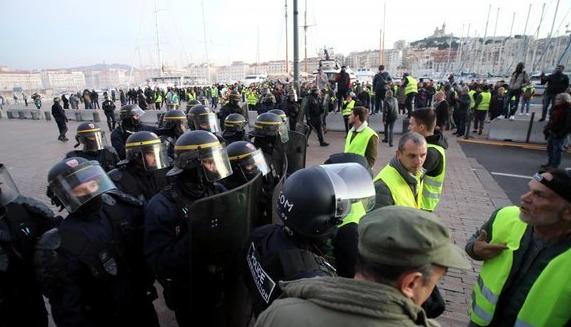 Marseille: décès d'une femme blessée par une grenade lacrymogène, résultat de l'autopsie