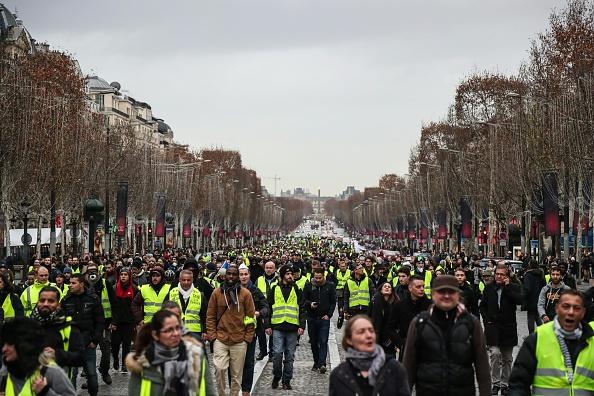 « Gilets jaunes »: nouvelles mobilisations prévues samedi, au Nouvel An et en janvier