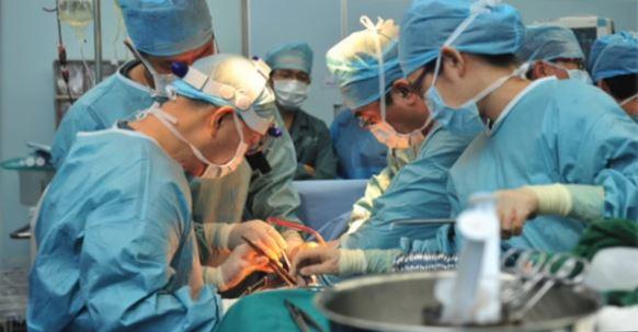 Des médecins-chefs en Chine admettent prélever les organes de pratiquants de Falun Gong