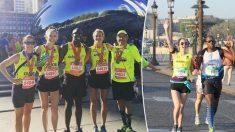 Un coureur de marathon aveugle trouve l'amour en une femme qui court à ses côtés comme guide