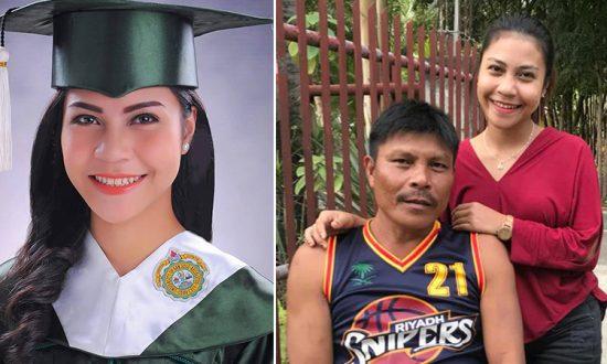 Une femme qui obtient son diplôme avec la mention «distinction» attribue son succès à ses humbles origines familiales
