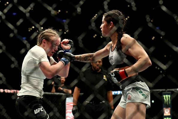 Brésil un voleur tabassé par une championne de MMA