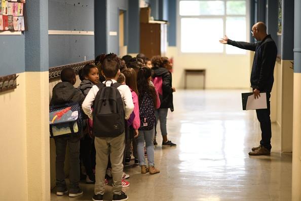 Plan sur les violences scolaires: les parents d'élèves violents bientôt sanctionnés des allocations familiales