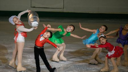 Au festival sur glace de Pyongyang, chorégraphie diplomatique entre Nord-Coréens et Chinois