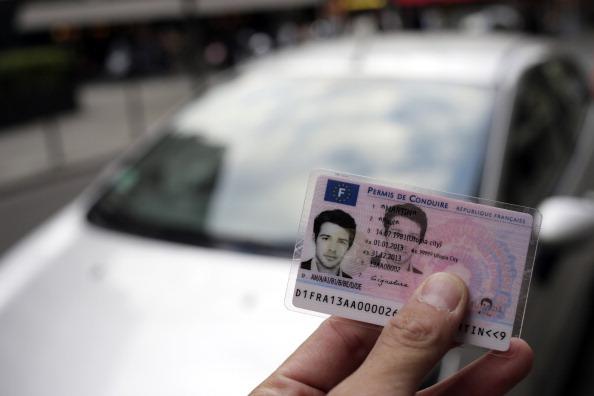 Opérations escargots des auto-écoles contre «l'ubérisation» du permis