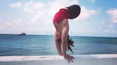 Un bébé abandonné né sans jambes devient une gymnaste en grandissant comme sa célèbre sœur olympienne
