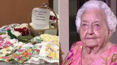 Une « reine du crochet » âgée de 100 ans vend son artisanat pour faire don de milliers de dollars à l'école maternelle locale