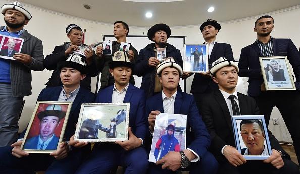 Les camps de rééducation au Xinjiang disparaîtront «un jour», selon Pékin