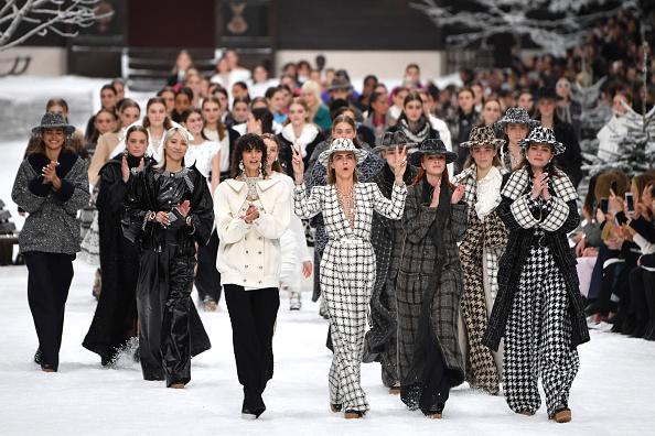 Minute de silence avant le défilé Chanel, en hommage à Karl Lagerfeld (AFP)