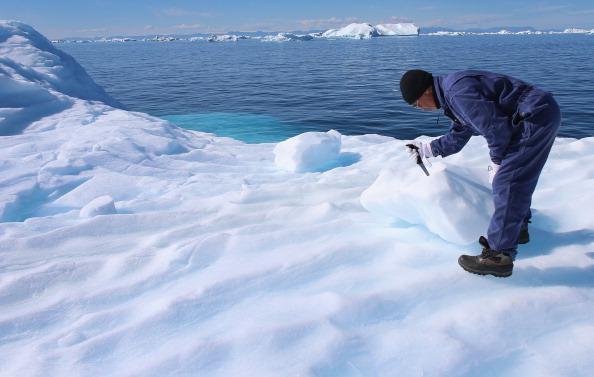 Un glacier principal composant le Groenland, qui a beaucoup fondu, recommence à prendre du volume