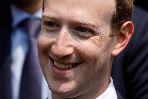 En pleine tourmente, une des figures historiques de Facebook quitte le navire