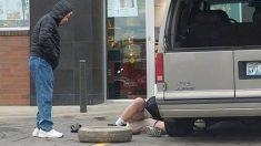 Un employé de magasin change le pneu d'un homme de 91 ans atteint d'un cancer de la peau alors que personne d'autre ne l'avait aidé