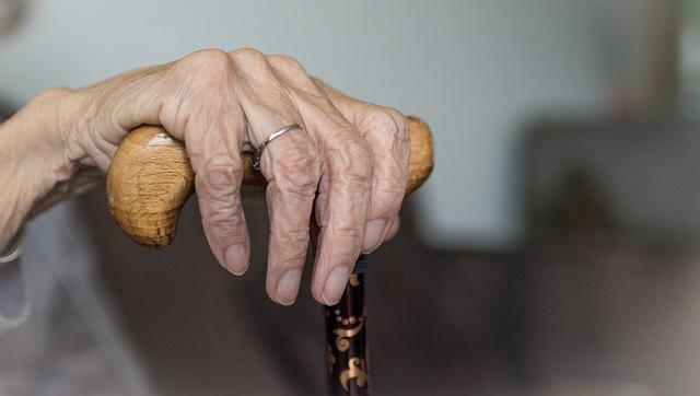 À 85 ans, Joséphine fait fuir ses quatre agresseurs munis d'un couteau