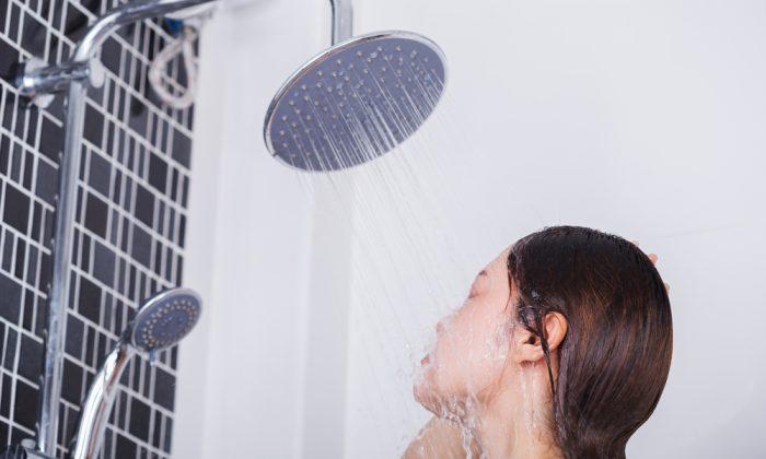 Voici la fréquence à laquelle les gens ont réellement besoin de se doucher, disent les experts